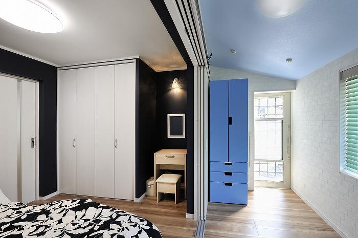 寝室と物干部屋