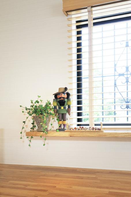 くるみ割り人形と窓